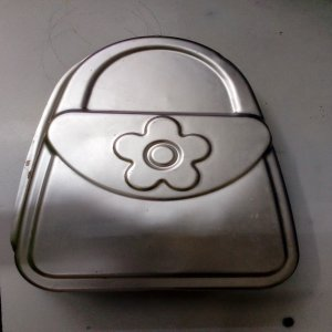 Hand bag shaped cake pan