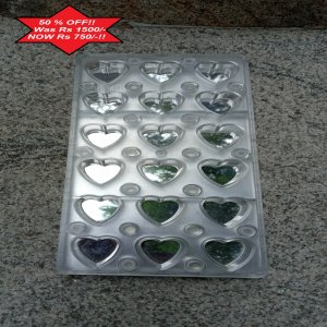 MAgnetic mold for heart shaped chocolates